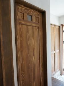 静岡 ドア 建具 体験 DIY 化粧 オリジナル ヤマヨシホーム 吹抜け 設計 オクシズ 杉 桧 塗り壁 無垢 リフォーム