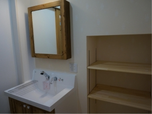 静岡 化粧台 ドア オリジナル ヤマヨシホーム 吹抜け 設計 オクシズ 杉 桧 塗り壁 無垢 リフォーム