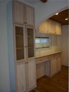 チェッカーガラス 食器棚 モザイクタイル 名古屋モザイク