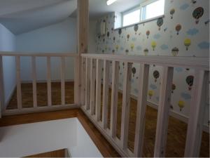 静岡 ドア オリジナル ヤマヨシホーム 吹抜け 設計 オクシズ 杉 桧 塗り壁 無垢 リフォーム