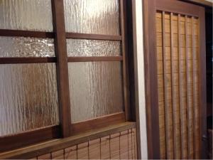 静岡 オスモ 塗装 DIY 化粧 オリジナル ヤマヨシホーム 吹抜け 設計 オクシズ 杉 桧 塗り壁 無垢 リフォーム